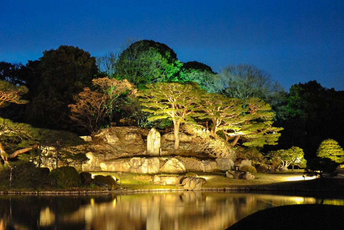 Rikugi-en, illuminations